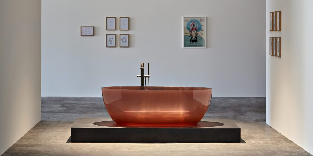 Transparent REFLEX Cristalmood Resin Luxury Bathtub by AL Studio - Ginger