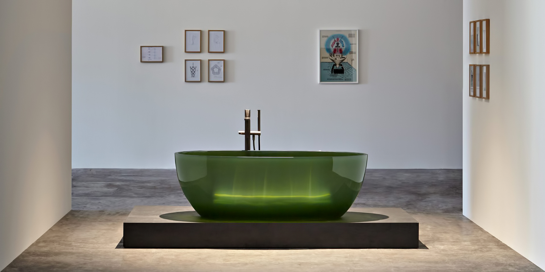 Transparent REFLEX Cristalmood Resin Luxury Bathtub by AL Studio – Bottiglia