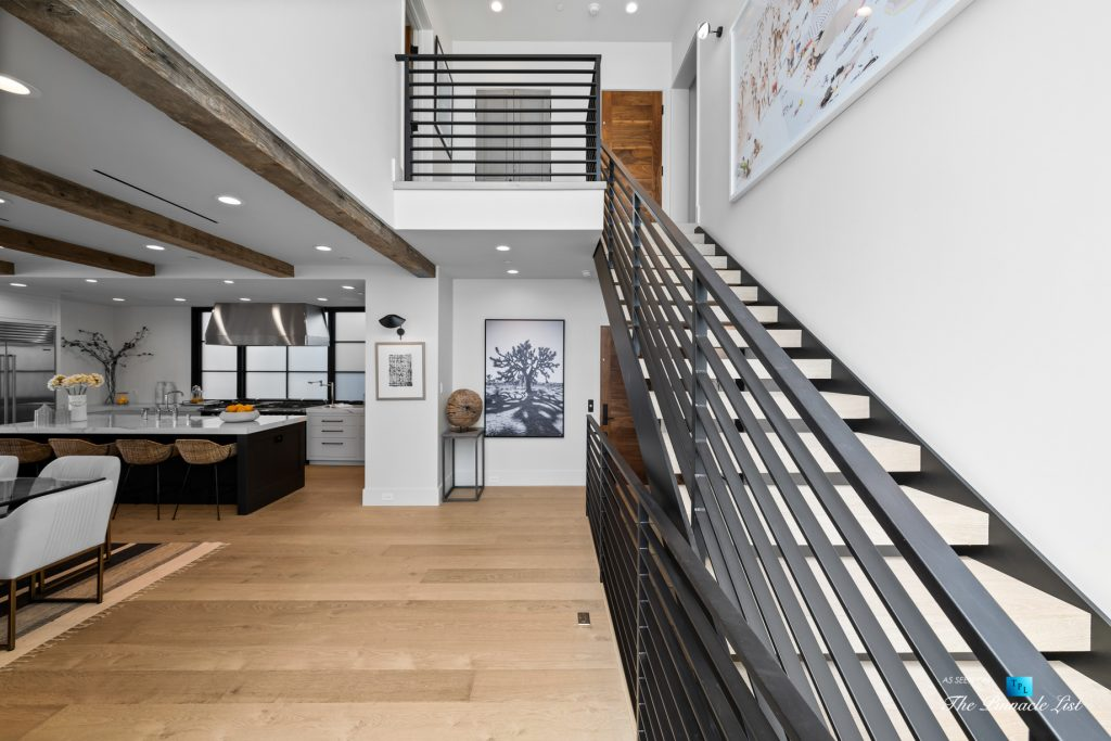 508 The Strand, Manhattan Beach, CA, USA - House Entry - Luxury Real Estate - Oceanfront Home
