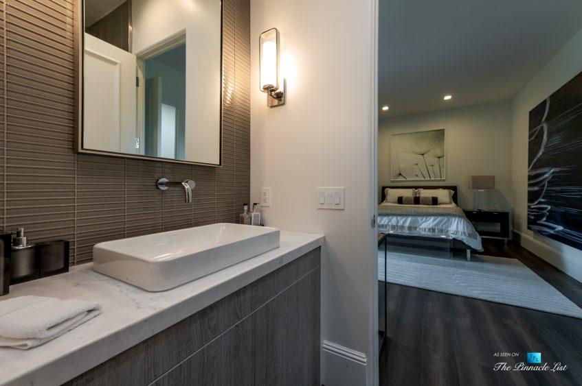 2720 Ellison Dr, Beverly Hills, CA, USA - Bathroom and Bedroom - Luxury Real Estate - Italian Villa Hilltop Home