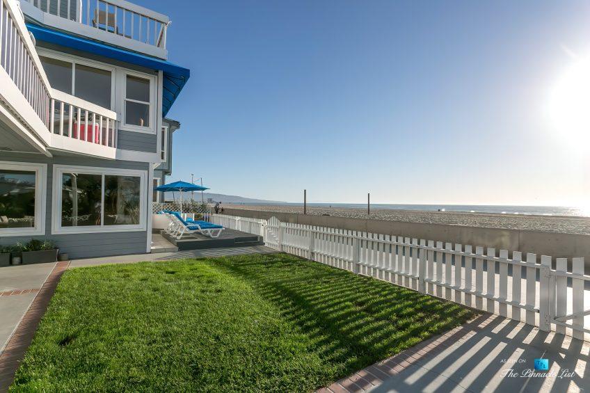 3500 The Strand, Hermosa Beach, CA, USA - Beachfront Grass Yard – Luxury Real Estate – Original 90210 Beach House - Oceanfront Home