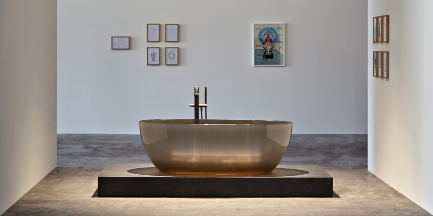 Transparent REFLEX Cristalmood Resin Luxury Bathtub by AL Studio - Nebbia