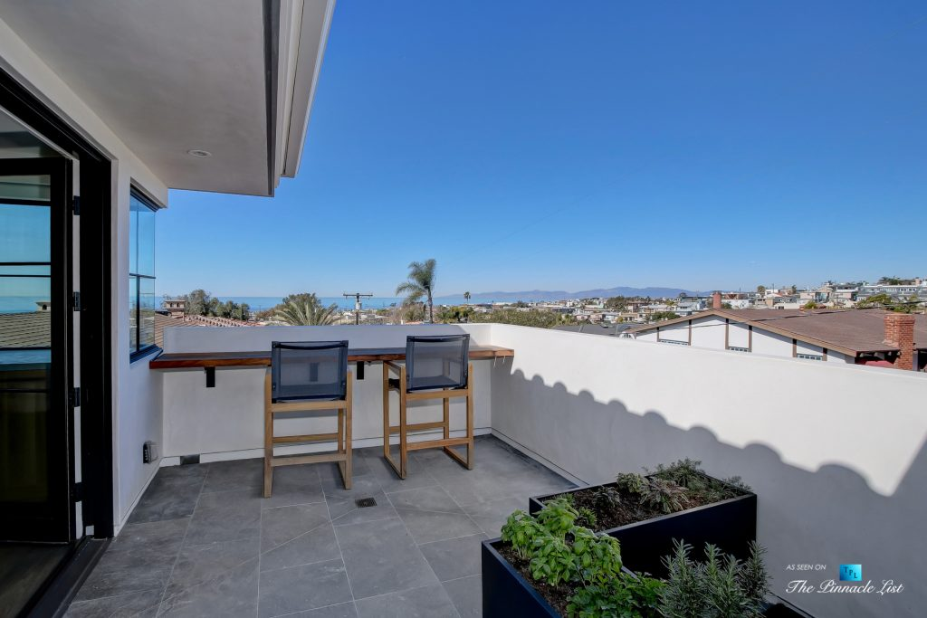 825 Highview Ave, Manhattan Beach, CA, USA - Upper Front Deck View - Luxury Real Estate - Modern Spanish Home