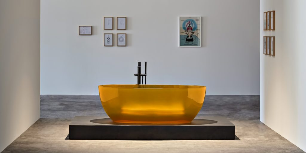 Transparent REFLEX Cristalmood Resin Luxury Bathtub by AL Studio - Ambra