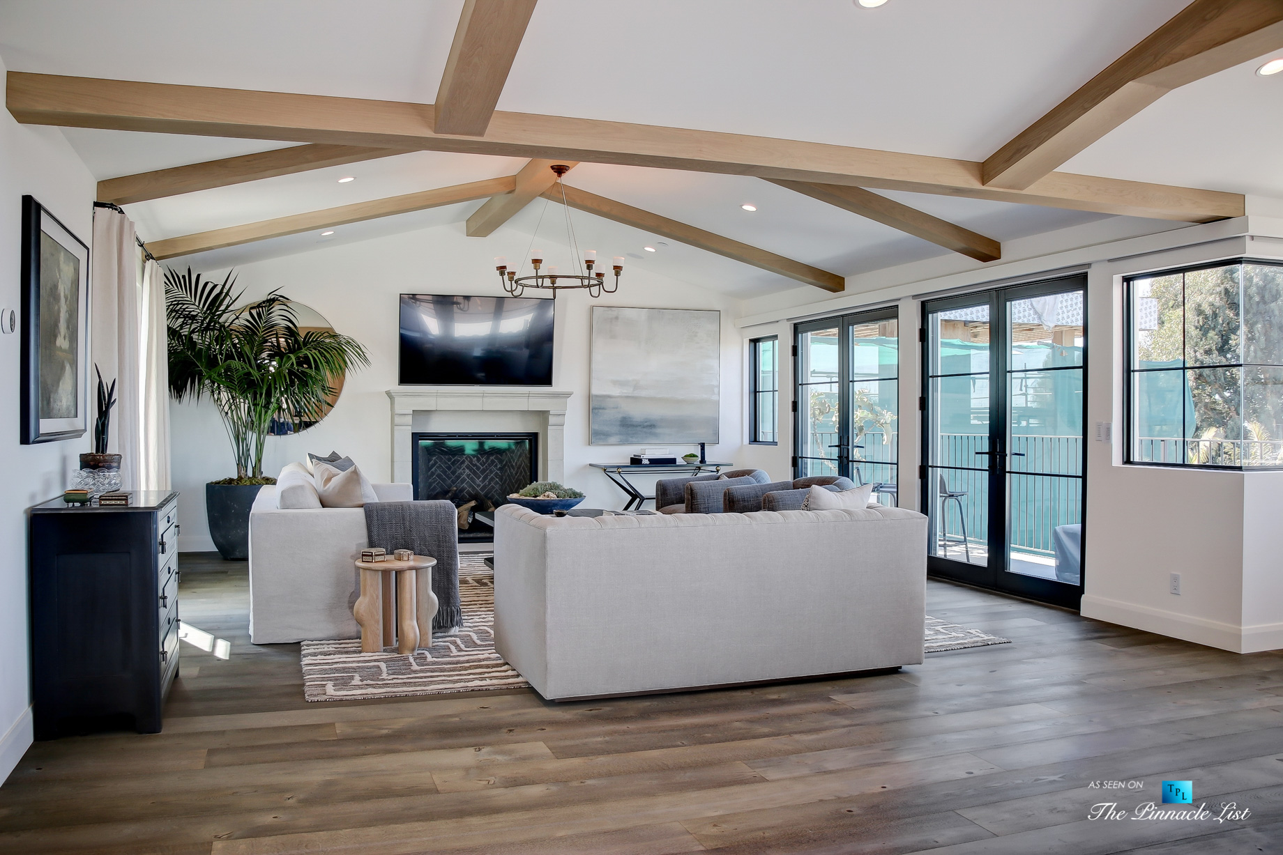 825 Highview Ave, Manhattan Beach, CA, USA - Luxurious Living Room - Luxury Real Estate - Modern Spanish Home