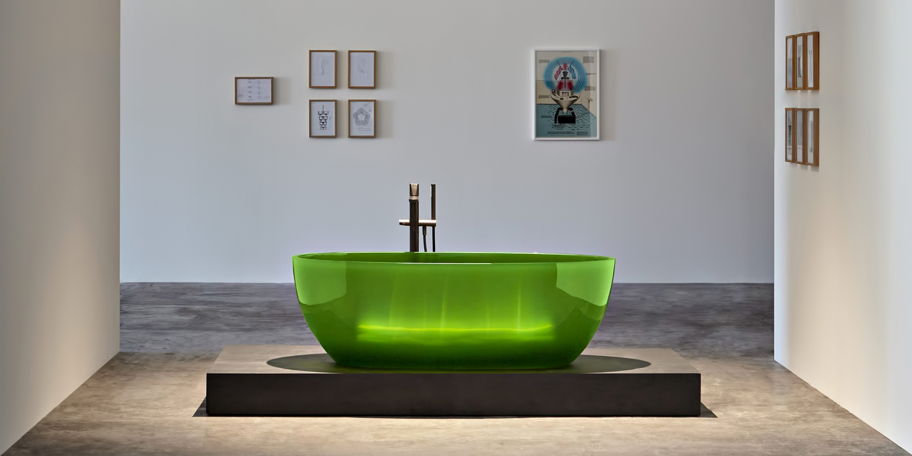 Transparent REFLEX Cristalmood Resin Luxury Bathtub by AL Studio - Lime