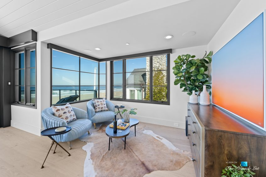 508 The Strand, Manhattan Beach, CA, USA - Master Bedroom Sitting Area - Luxury Real Estate - Oceanfront Home