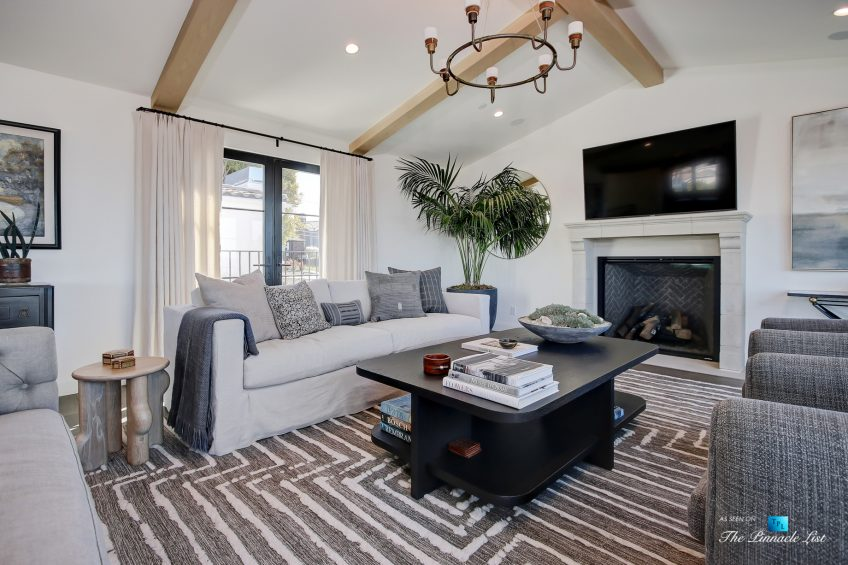 825 Highview Ave, Manhattan Beach, CA, USA - Luxurious Living Room - Luxury Real Estate - Modern Spanish Home
