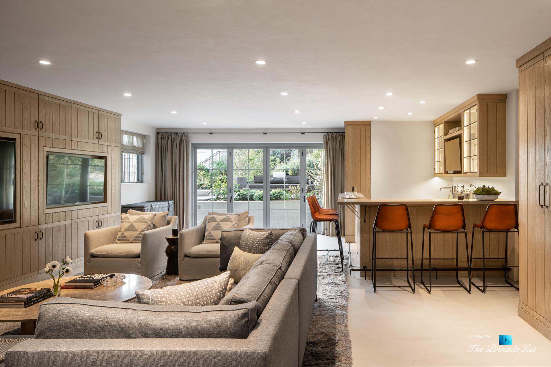a220 8th St, Manhattan Beach, CA, USA – Luxury Real Estate – Ocean View Dream Home – Entertainment Room and Bar