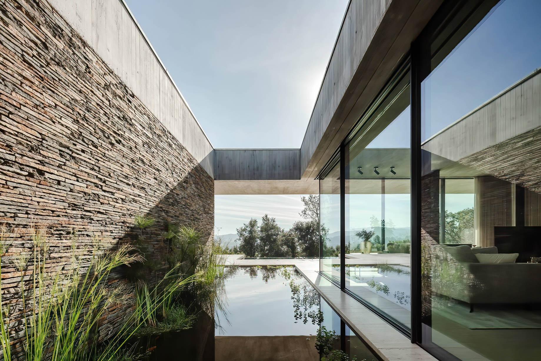 Cork Tree House Contemporary Residence – Braga, Portugal