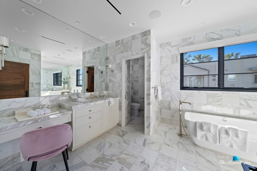 508 The Strand, Manhattan Beach, CA, USA - Master Bathroom Interior - Luxury Real Estate - Oceanfront Home