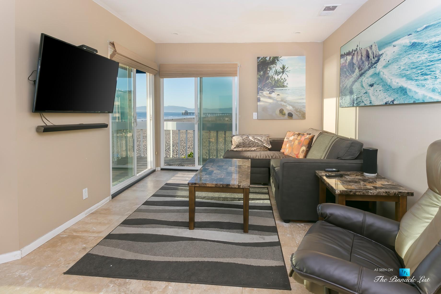 3500 The Strand, Hermosa Beach, CA, USA – Beachfront Living Room – Luxury Real Estate – Original 90210 Beach House – Oceanfront Home