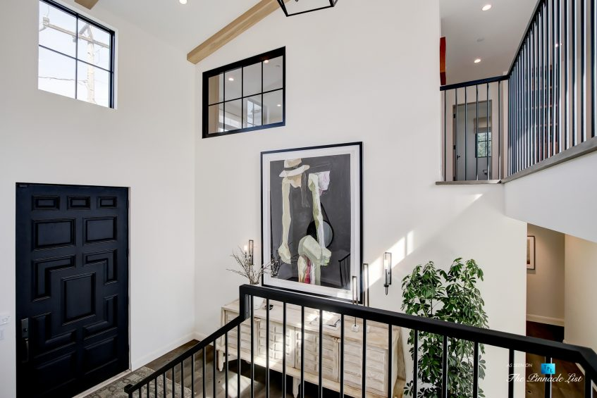825 Highview Ave, Manhattan Beach, CA, USA - Entrance Foyer - Luxury Real Estate - Modern Spanish Home