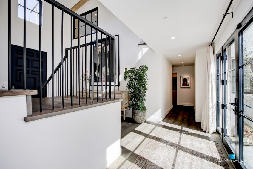 825 Highview Ave, Manhattan Beach, CA, USA - Foyer Hallway - Luxury Real Estate - Modern Spanish Home