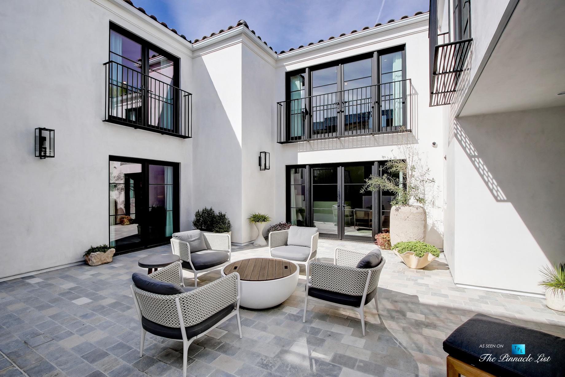825 Highview Ave, Manhattan Beach, CA, USA - Private Exterior Courtyard - Luxury Real Estate - Modern Spanish Home