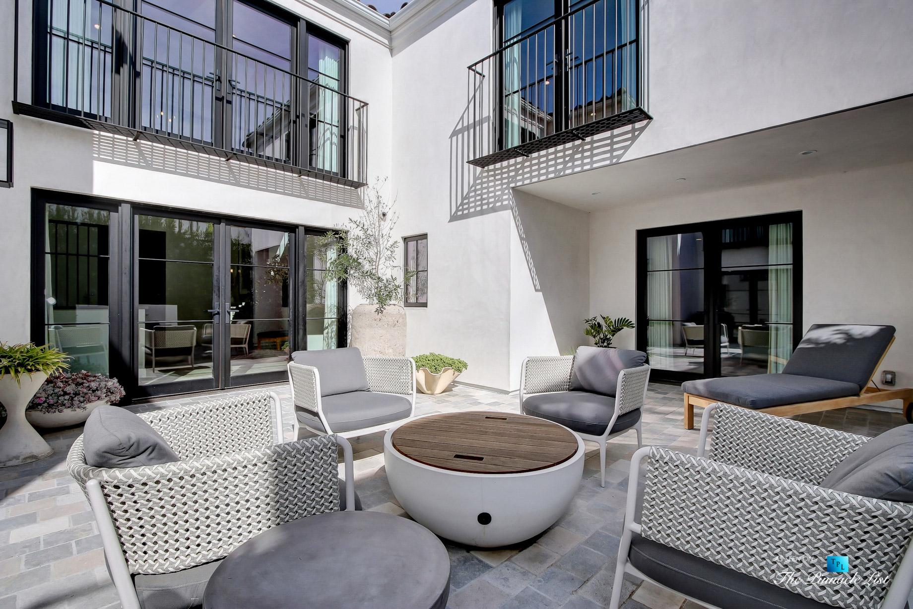 825 Highview Ave, Manhattan Beach, CA, USA – Private Exterior Courtyard – Luxury Real Estate – Modern Spanish Home