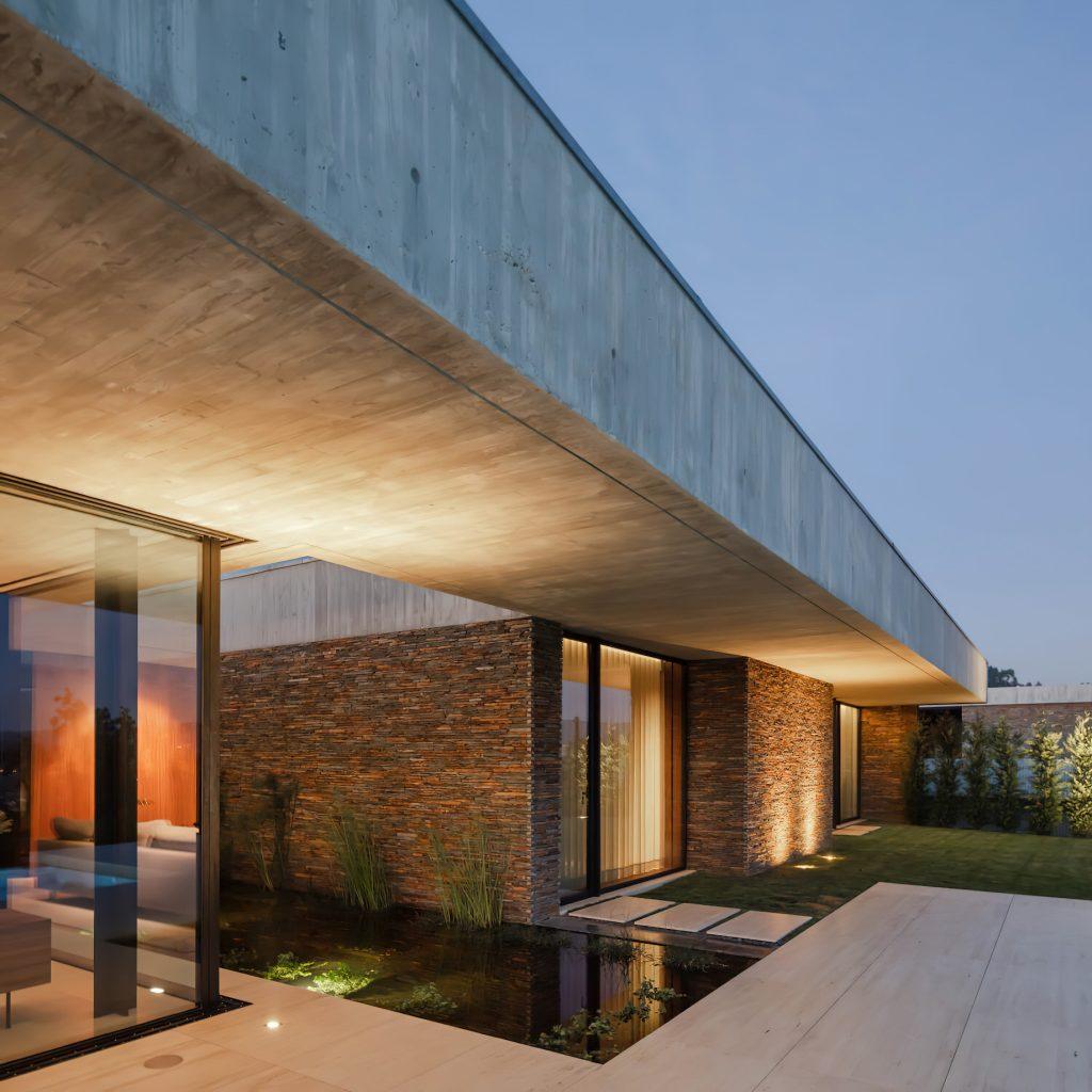 Cork Tree House Contemporary Residence - Braga, Portugal