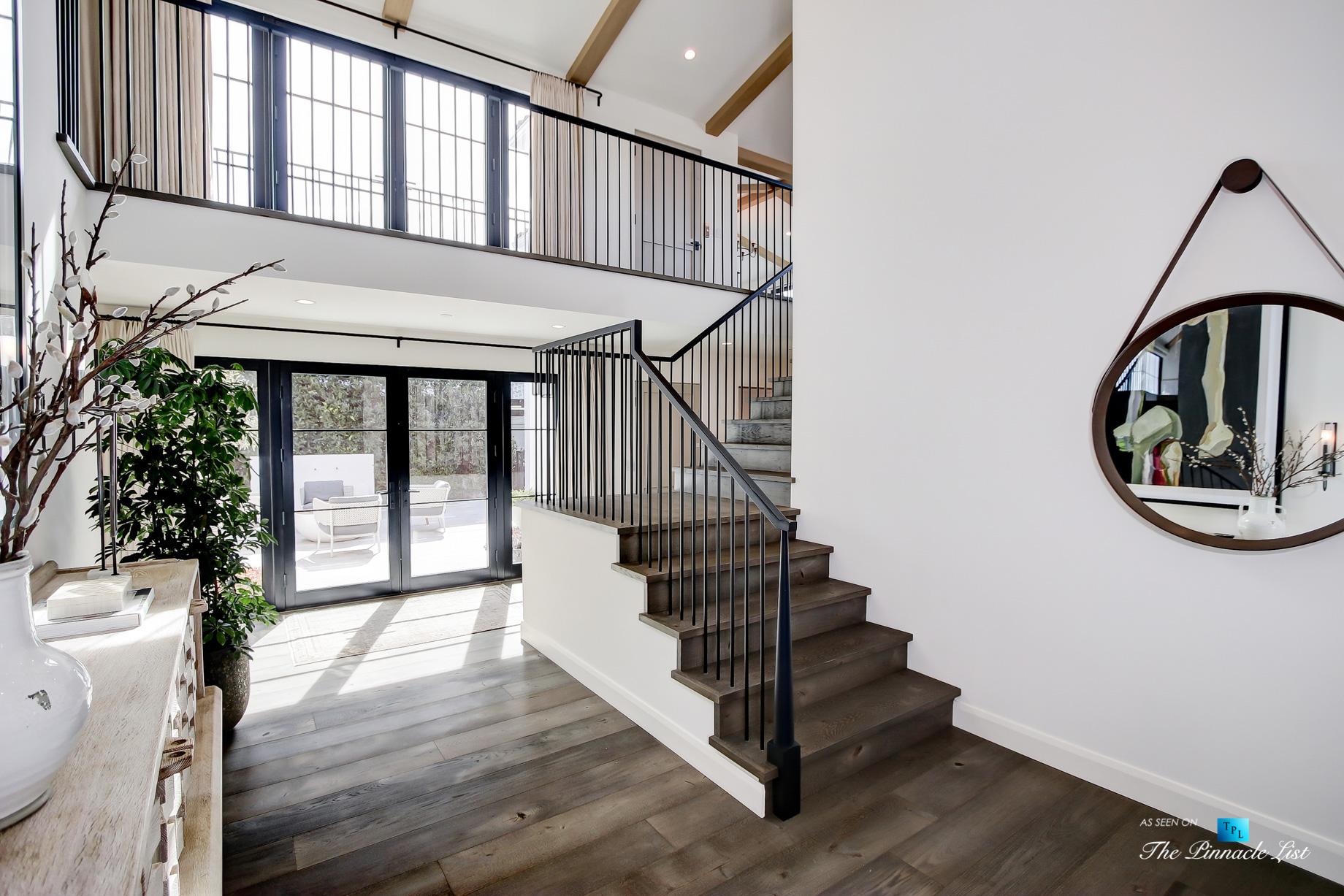 825 Highview Ave, Manhattan Beach, CA, USA – Private Exterior Courtyard View – Luxury Real Estate – Modern Spanish Home