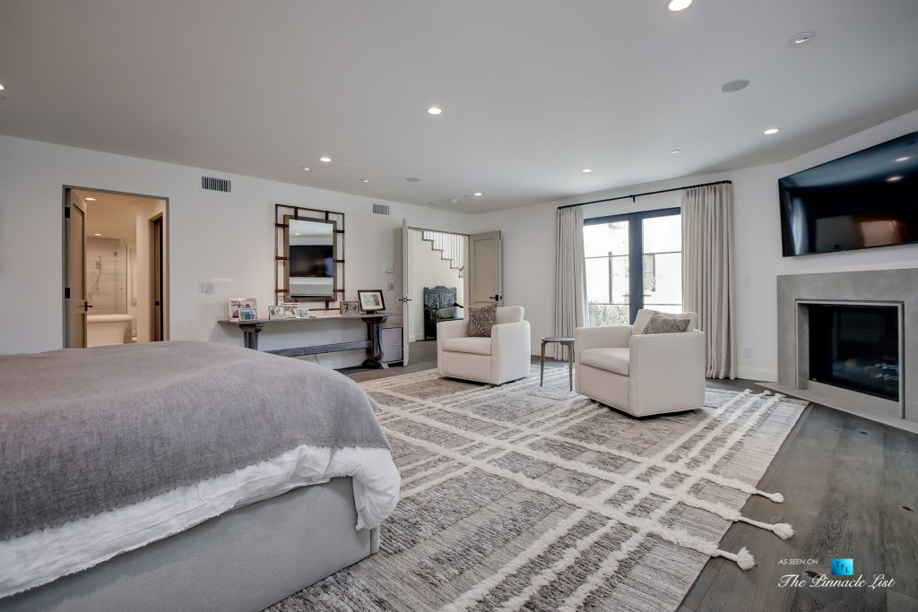 825 Highview Ave, Manhattan Beach, CA, USA - Master Bedroom Suite - Luxury Real Estate - Modern Spanish Home