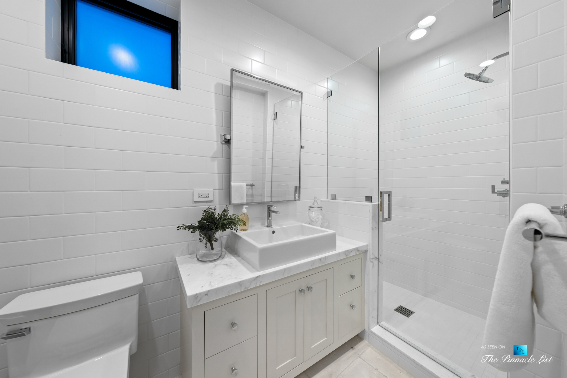 508 The Strand, Manhattan Beach, CA, USA – Upstairs Bathroom – Luxury Real Estate – Oceanfront Home