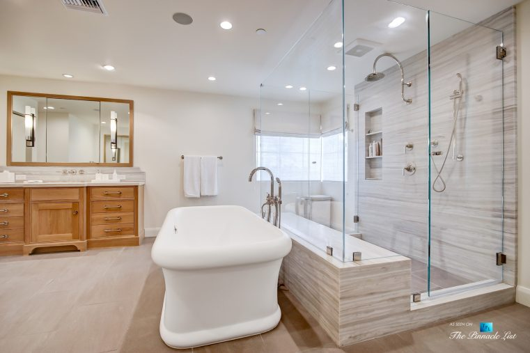 825 Highview Ave, Manhattan Beach, CA, USA - Master Bathroom Tub and Shower - Luxury Real Estate - Modern Spanish Home