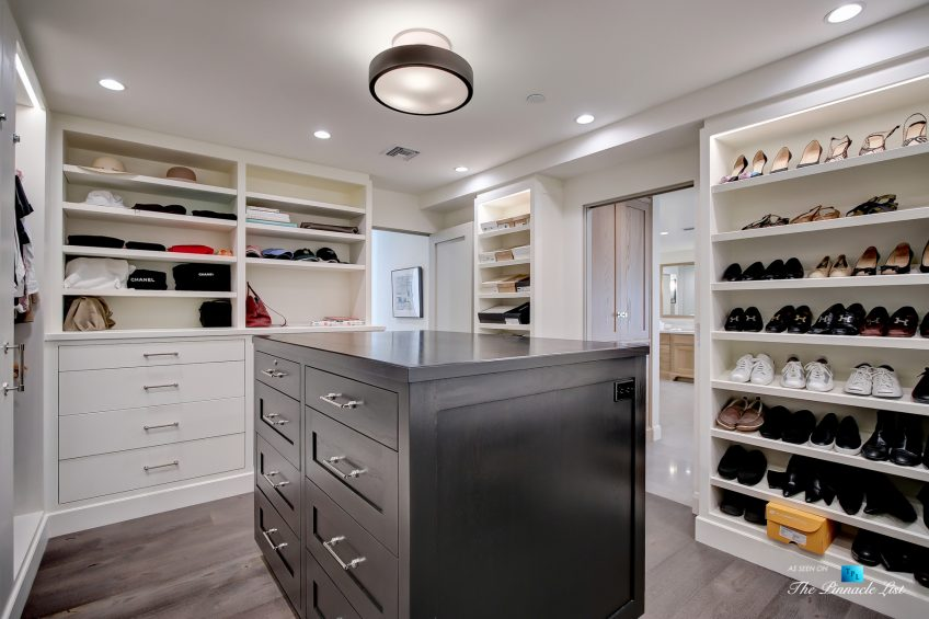 825 Highview Ave, Manhattan Beach, CA, USA - Master Bedroom Walk In Wardrobe Room - Luxury Real Estate - Modern Spanish Home