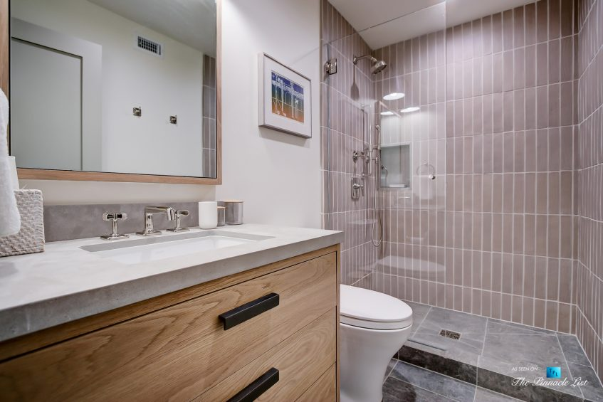 825 Highview Ave, Manhattan Beach, CA, USA - Bathroom and Shower - Luxury Real Estate - Modern Spanish Home