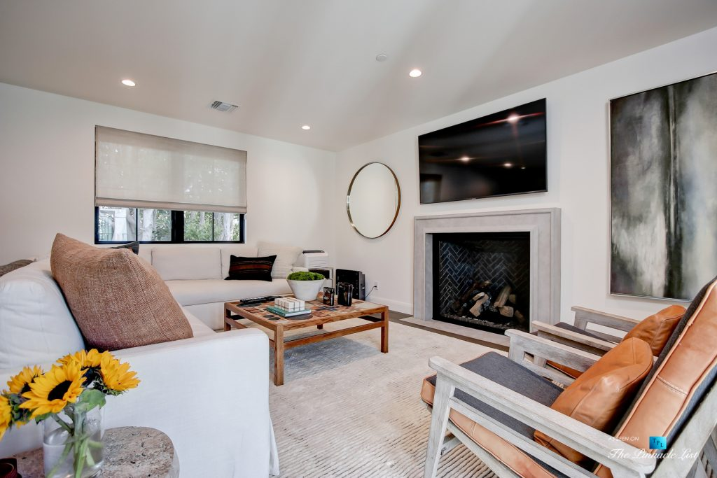 825 Highview Ave, Manhattan Beach, CA, USA - Private Den - Luxury Real Estate - Modern Spanish Home