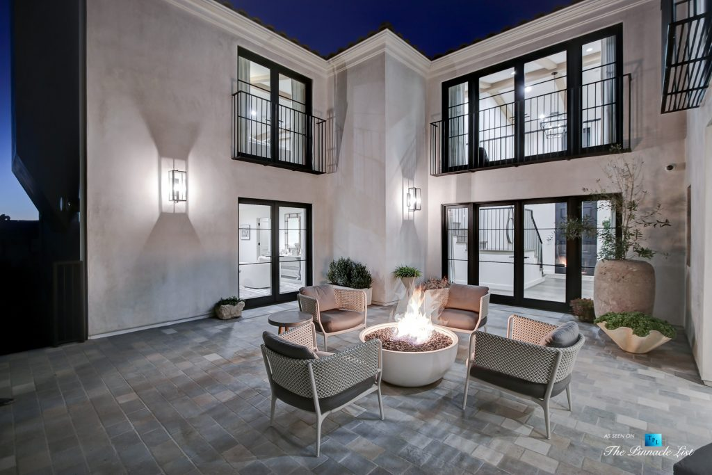 825 Highview Ave, Manhattan Beach, CA, USA - Night Private Exterior Courtyard - Luxury Real Estate - Modern Spanish Home
