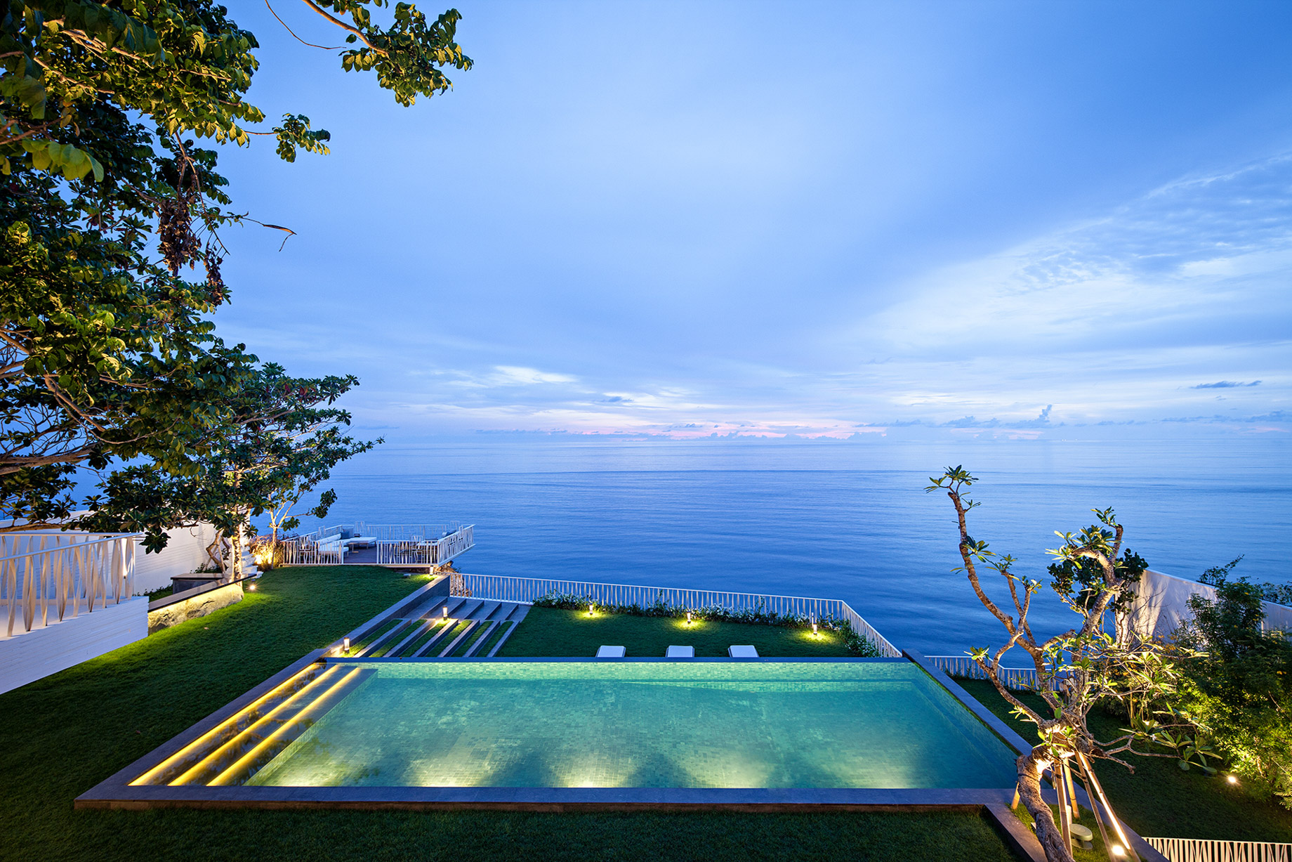 Luxury Villa with Ocean View Pool - Indonesia