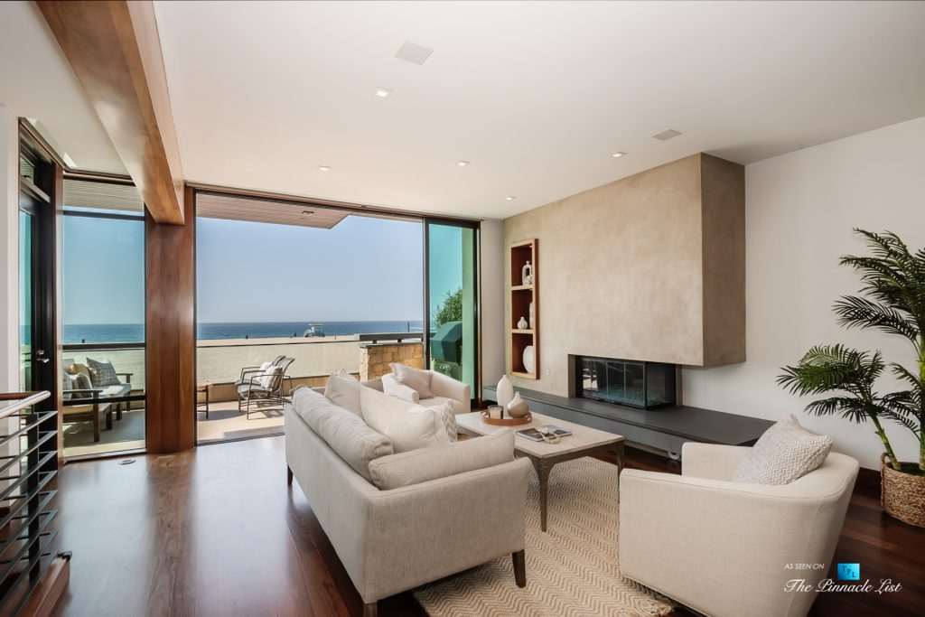 732 The Strand, Hermosa Beach, CA, USA - Living Room Ocean View