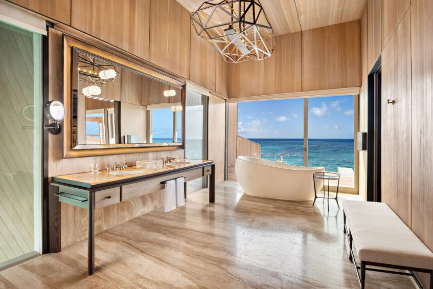 The St. Regis Maldives Vommuli Luxury Resort - Dhaalu Atoll, Maldives - John Jacob Astor Estate Bathroom