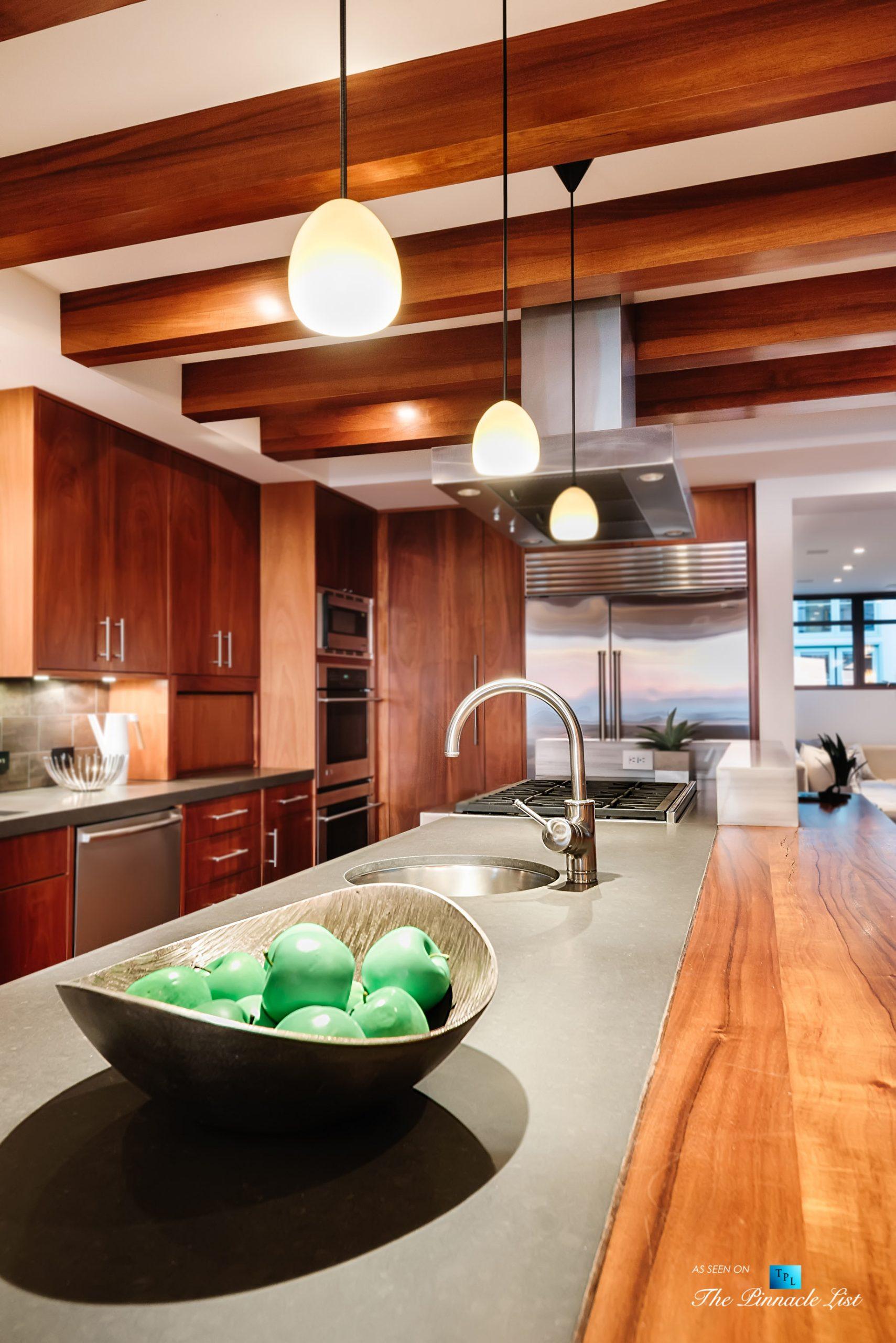 732 The Strand, Hermosa Beach, CA, USA – Kitchen