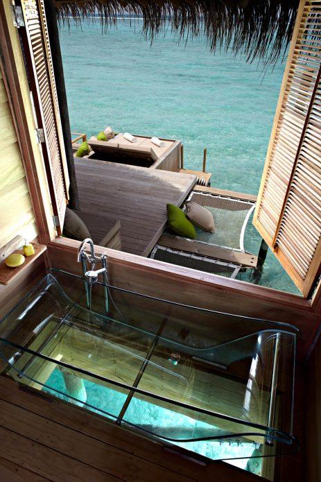 Six Senses Laamu Luxury Resort - Laamu Atoll, Maldives - Overwater Villa Clear Bathtub