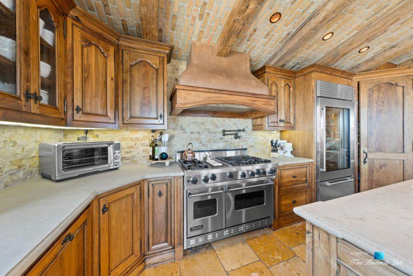 216 7th St, Manhattan Beach, CA, USA - Luxury Real Estate - Coastal Villa Home - Kitchen Gas Range