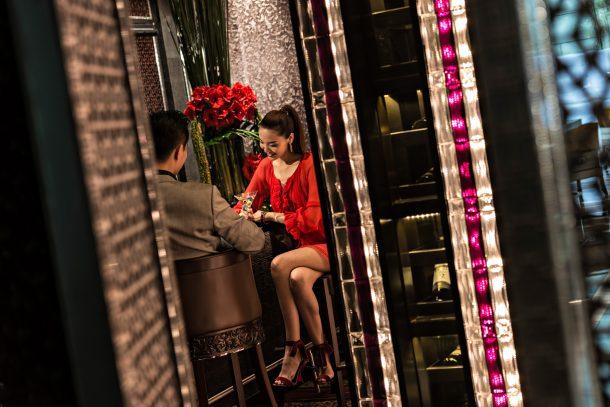 Regent Shanghai Pudong Luxury Hotel - Shanghai, China - Bar