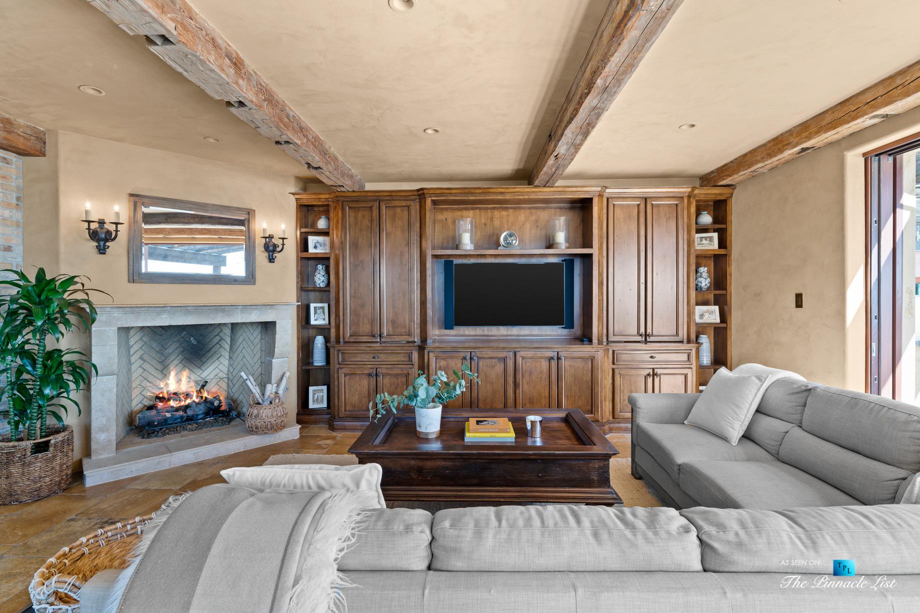 216 7th St, Manhattan Beach, CA, USA - Luxury Real Estate - Coastal Villa Home - Living Room