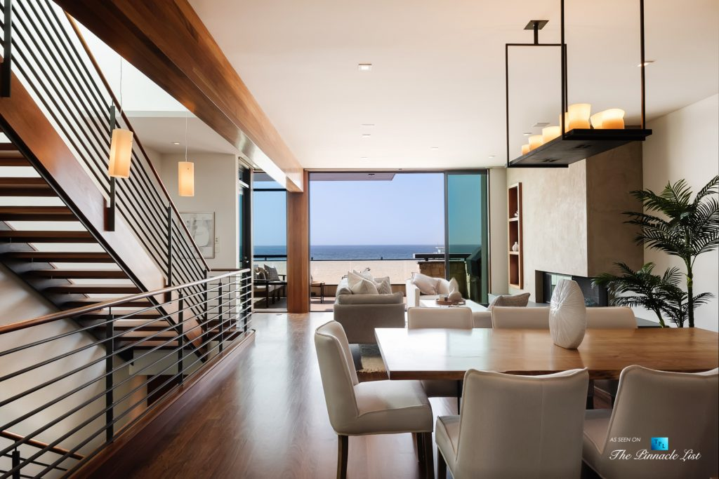 Modern Oceanfront Coastal Living - 732 The Strand, Hermosa Beach, CA, USA - Living Room