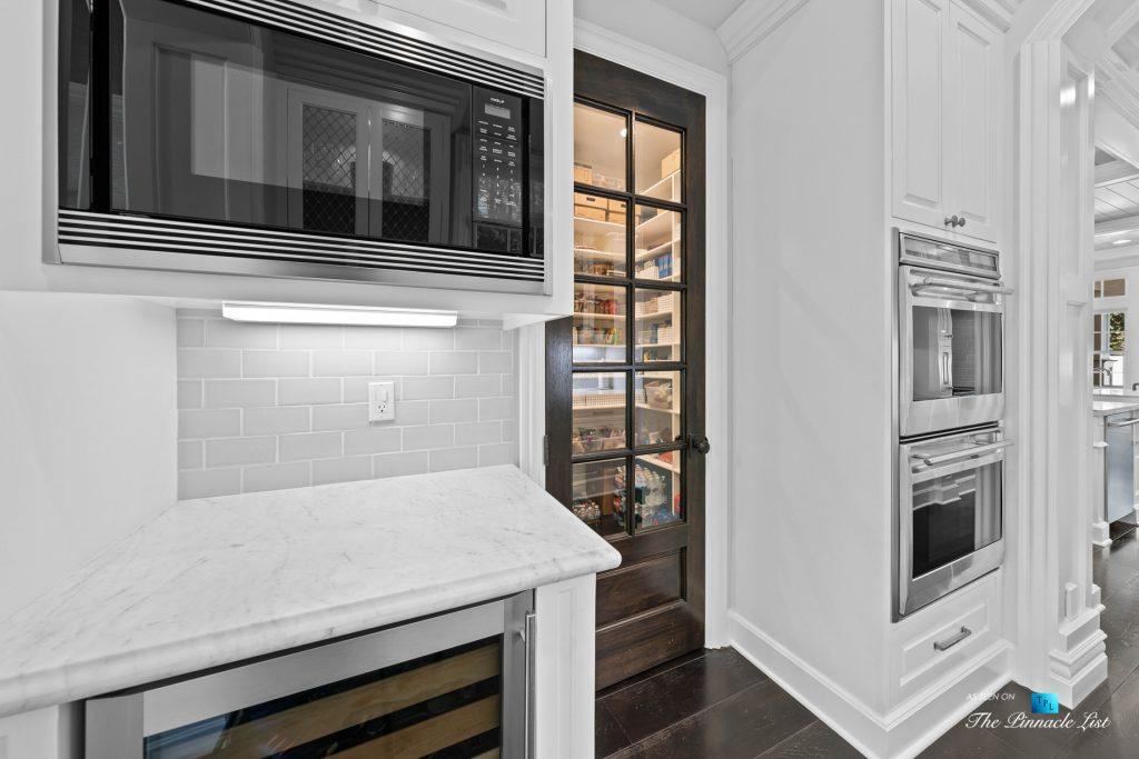 1412 Laurel Ave, Manhattan Beach, CA, USA - Kitchen Island