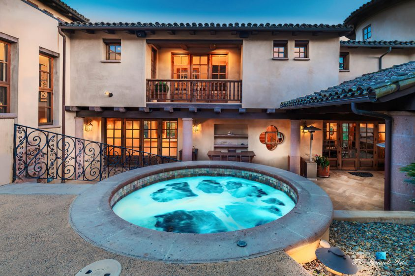 2667 Via De Los Ranchos, Los Olivos, CA, USA - Hot Tub