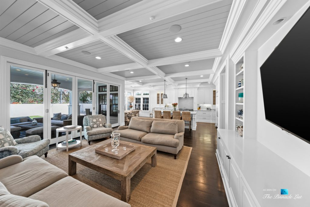 1412 Laurel Ave, Manhattan Beach, CA, USA - Living Room and Kithen