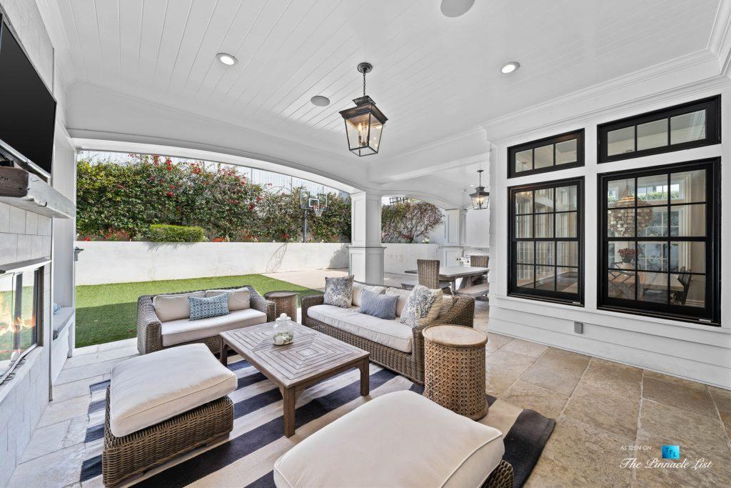 1412 Laurel Ave, Manhattan Beach, CA, USA - Backyard Lounge Covered Deck
