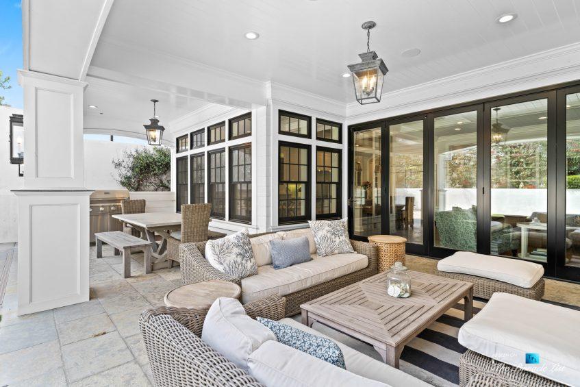 1412 Laurel Ave, Manhattan Beach, CA, USA - Backyard Lounge