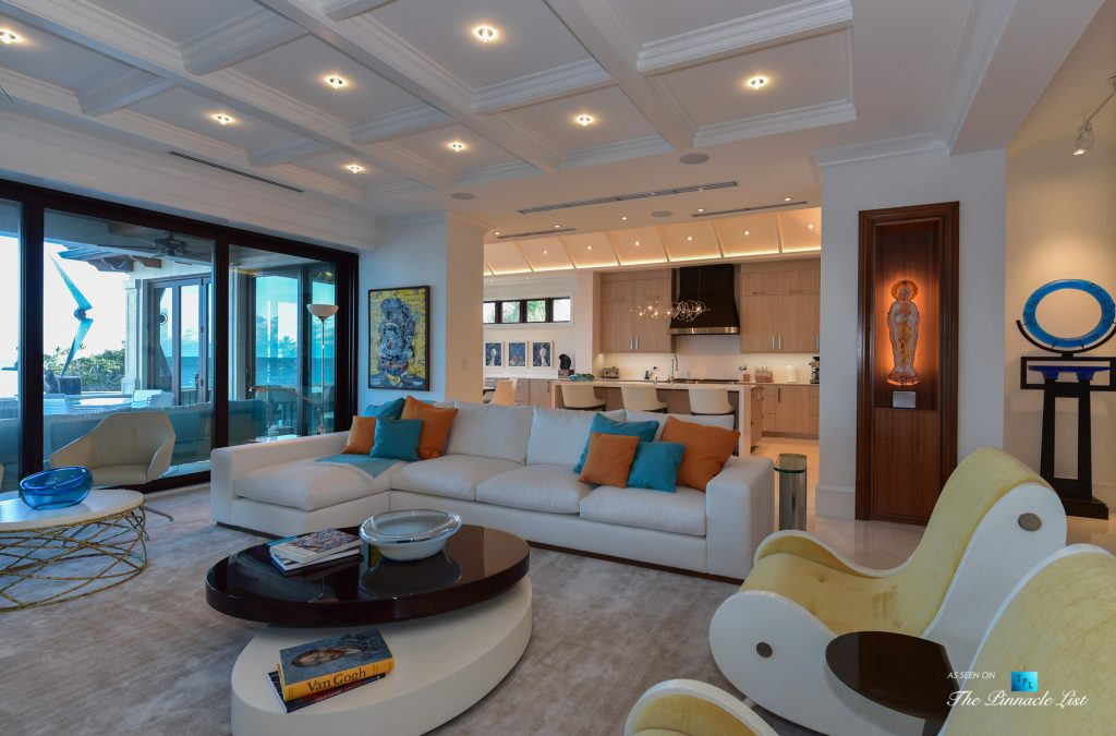 Ocean Reef Club Luxury Estate - 103 Andros Rd, Key Largo, FL, USA - Living Room and Kitchen