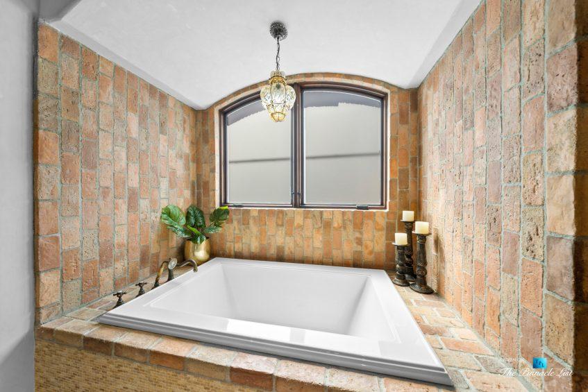 216 7th St, Manhattan Beach, CA, USA - Luxury Real Estate - Coastal Villa Home - Master Bathroom Tub