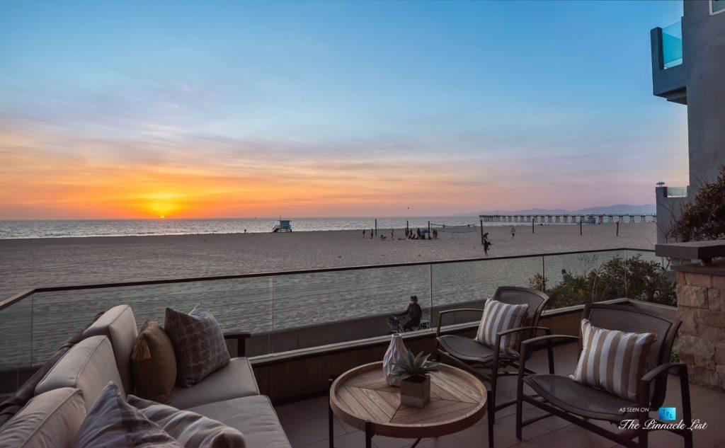 732 The Strand, Hermosa Beach, CA, USA - Beachfront Balcony Sunset Oceanview