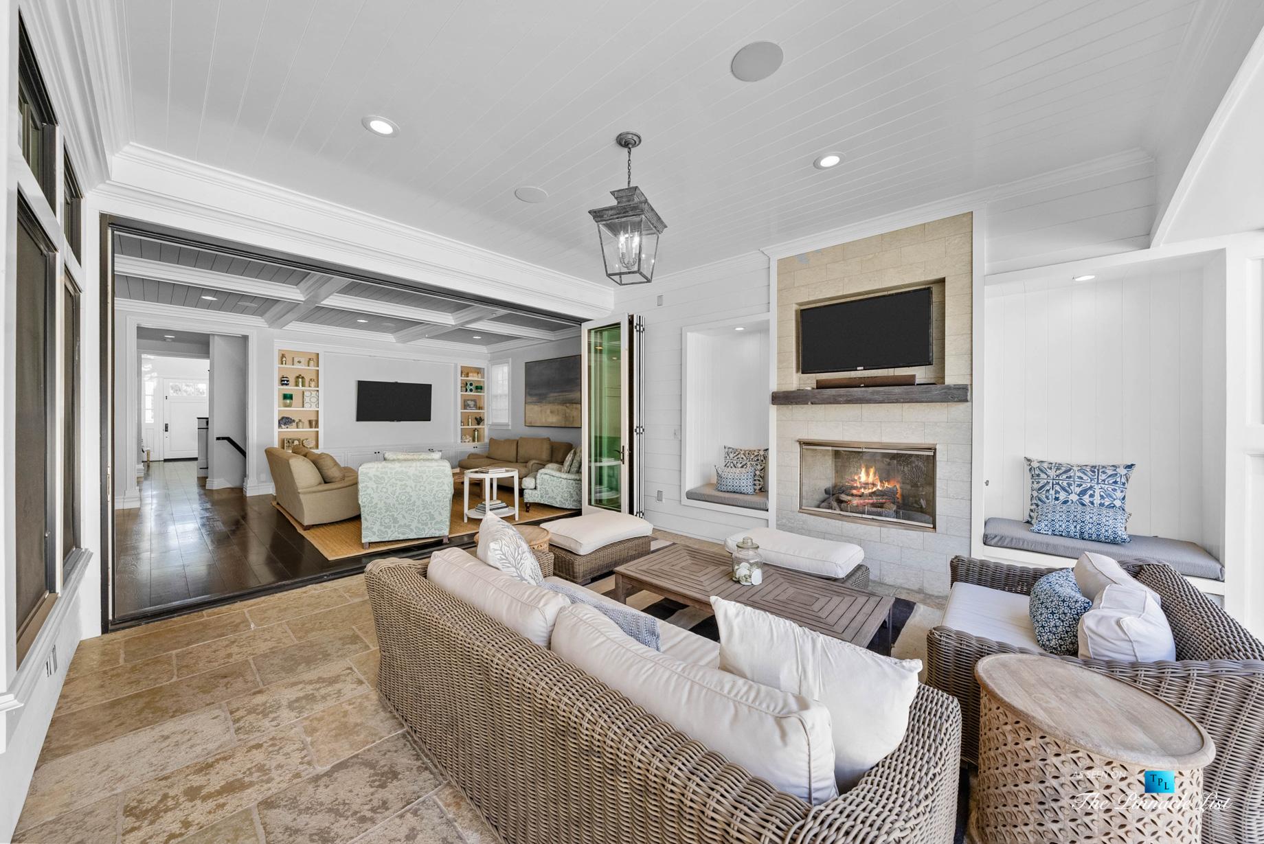 1412 Laurel Ave, Manhattan Beach, CA, USA – Backyard Lounge and Living Room