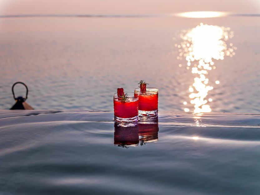 One&Only Reethi Rah Luxury Resort - North Male Atoll, Maldives - Overwater Villa Ocean View Cocktails