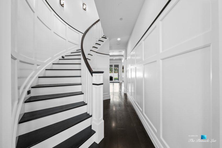 1412 Laurel Ave, Manhattan Beach, CA, USA - Entry Stairs