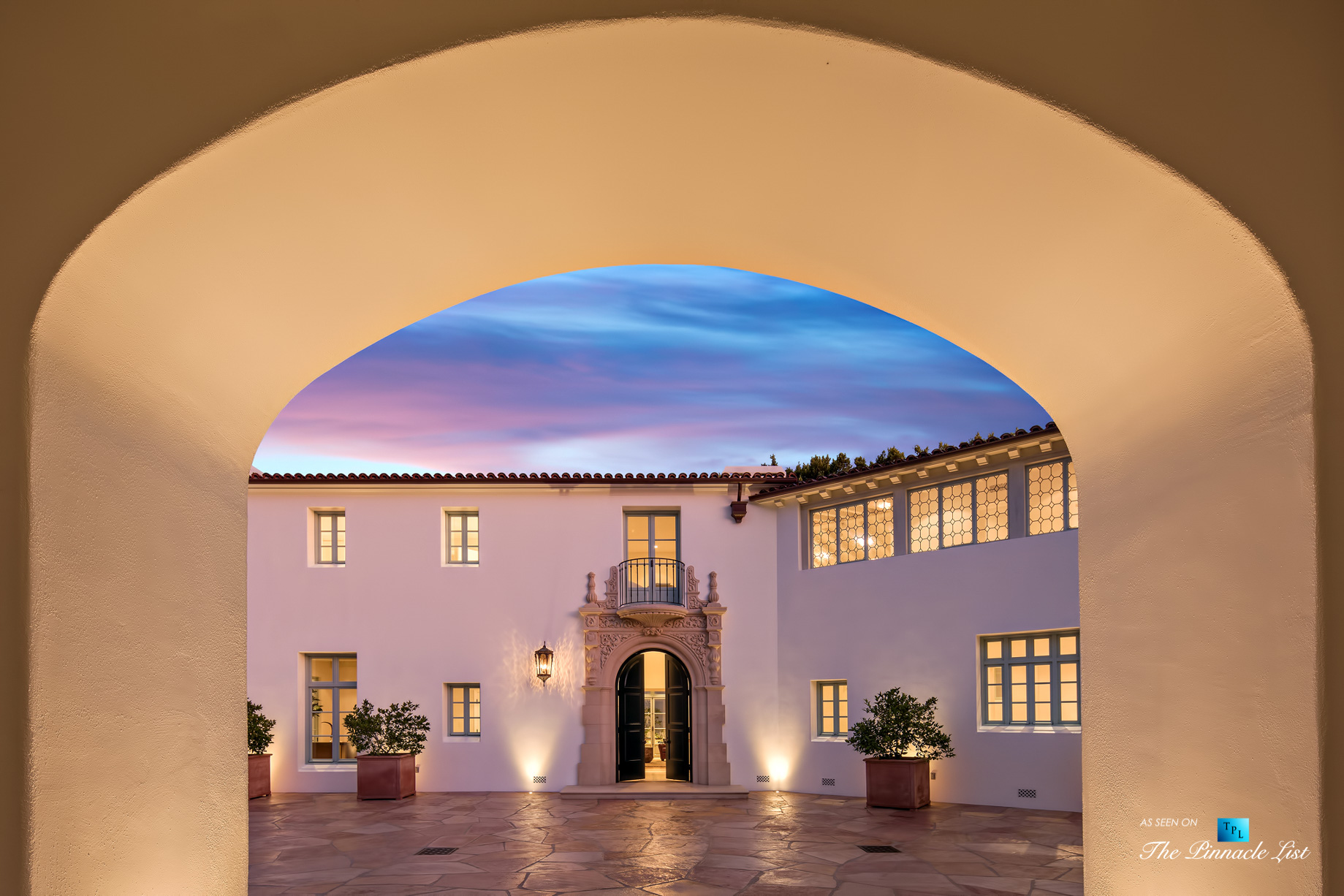 Hollywood Hills Luxury Estate – 9240 Robin Dr, Los Angeles, CA, USA – Night Entrance Arch